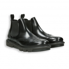 Black polished calf english-style tip Chelsea boot rubber sole